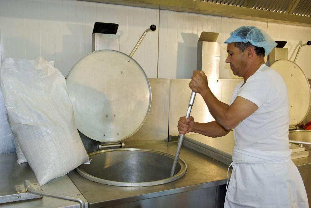 Pré-cuisson des ingrédients et préparation de la pâte