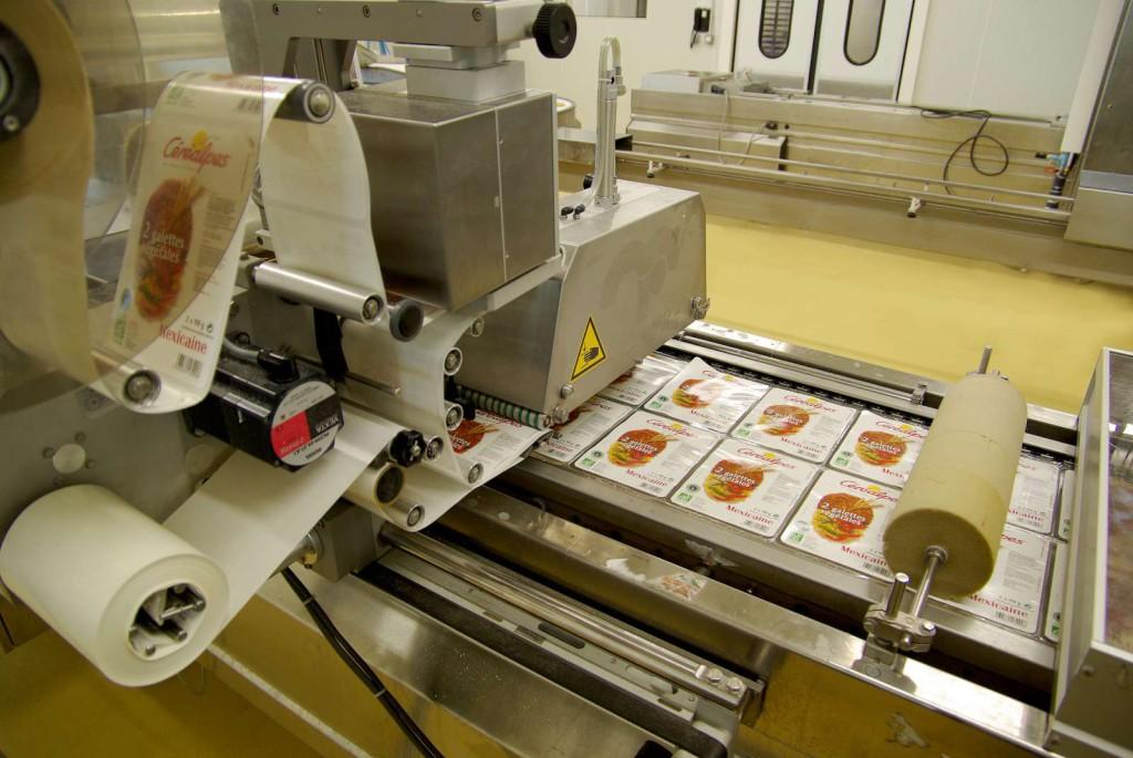 Étiquetage sur une chaîne automatisée